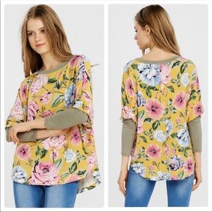 Lovely Floral top with 3/4 length sleeves